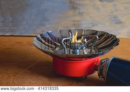 Portable Stove For Outdoor Activities Or Camping Stove ,small Stoves That Are Easy To Carry