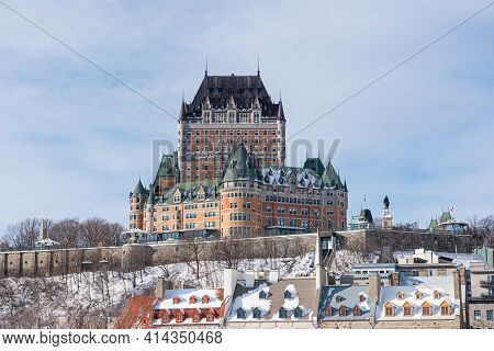 Quebec, Quebec, Canada - 7 Février 2021 : Winter View Of The Frontenac Castle In The Old Quebec City