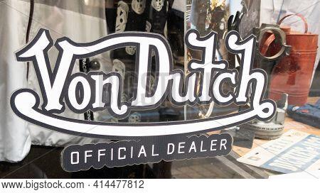 Bordeaux , Aquitaine France - 03 25 2021 : Von Dutch Official Dealer Logo  Text And Brand Sign Ameri