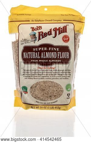 Winneconne, Wi - 27 March 2021: A Package Of Bobs Red Mill Super Fine Natural Almond Flour On An Iso