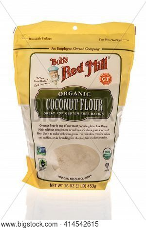 Winneconne, Wi - 27 March 2021: A Package Of Bobs Red Mill Coconut Flour On An Isolated Background
