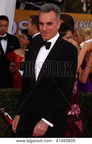 LOS ANGELES - JAN 27:  Daniel Day-Lewis arrives at the 2013 Screen Actor's Guild Awards at the Shrine Auditorium on January 27, 2013 in Los Angeles, CA