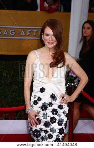 LOS ANGELES - JAN 27:  Julianne Moore arrives at the 2013 Screen Actor's Guild Awards at the Shrine Auditorium on January 27, 2013 in Los Angeles, CA