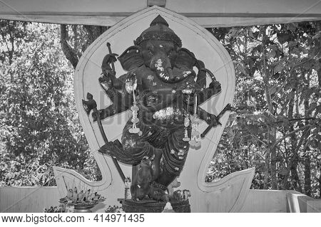 Phayao, Thailand - Dec 13, 2020: Black And White Zoom View Ganesha Statue And Incense Burner In Shri