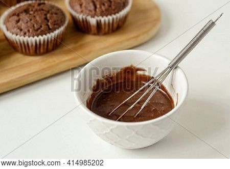 For The Icing, Combine The Icing Sugar And Cocoa Powder. Then Gradually Add 2-3 Tsp. Cola.