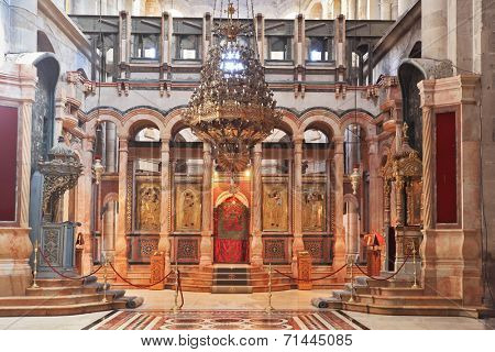 JERUSALEM, ISRAEL - MARCH 9, 2012: Huge decorated hall in front of the Edicule. Church of the Holy Sepulcher in Jerusalem