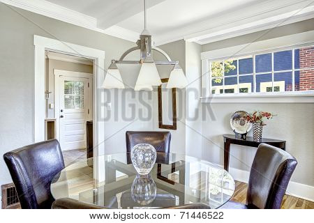 Dining Set. Glass Round Top Table With Leather Chairs