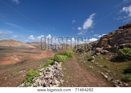 Lanzarote - Mountains of Ajaches - Trail in Femes Valley