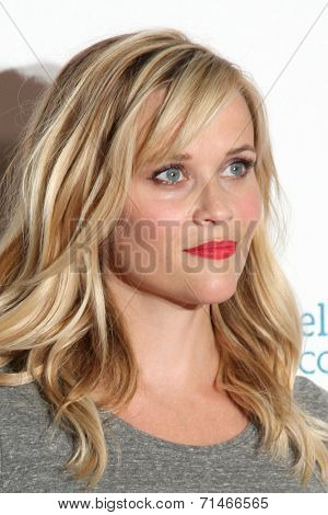 LOS ANGELES - SEP 5:  Reese Witherspoon at the Stand Up 2 Cancer Telecast Arrivals at Dolby Theater on September 5, 2014 in Los Angeles, CA