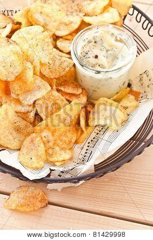 Vintage Mesh Basket With Chips
