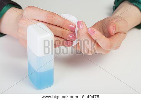 Care By Nails - Nail Polish Removal