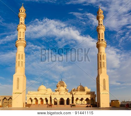 Exterior Of El Mina Masjid Mosque