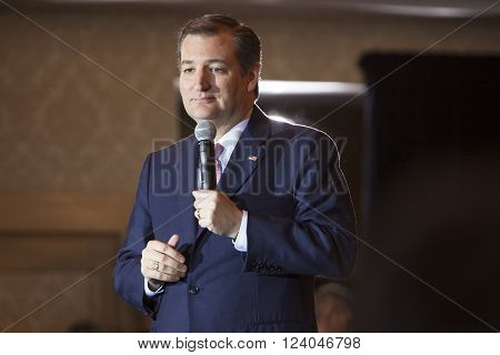 MADISON WI/USA - March 30 2016: Republican presidential candidate Ted Cruz speaks to a group of supporters during a rally before the Wisconsin presidential primary in Madison Wisconsin. ** Note: Visible grain at 100%, best at smaller sizes