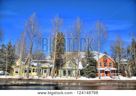Number of residential houses in the main street of Aspen Colorado in HDR