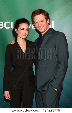 LOS ANGELES - APR 1:  Torrey DeVitto, Nick Gehlfuss at the NBC Universal Summer Press Day 2016 at the Four Seasons Hotel on April 1, 2016 in Westlake Village, CA