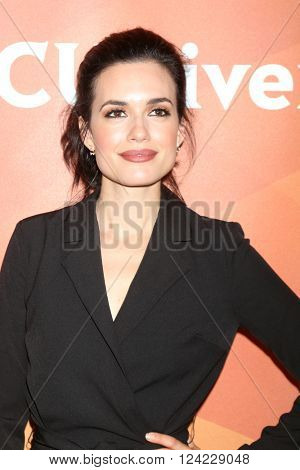 LOS ANGELES - APR 1:  Torrey DeVitto at the NBC Universal Summer Press Day 2016 at the Four Seasons Hotel on April 1, 2016 in Westlake Village, CA