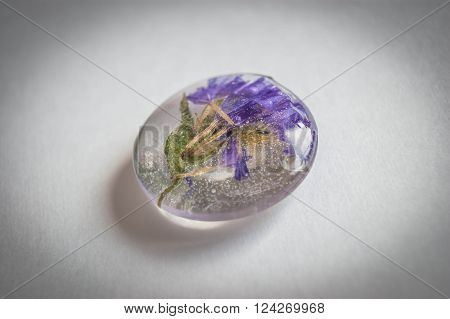 Crystal Made Of Epoxy Resin With Flowers_1
