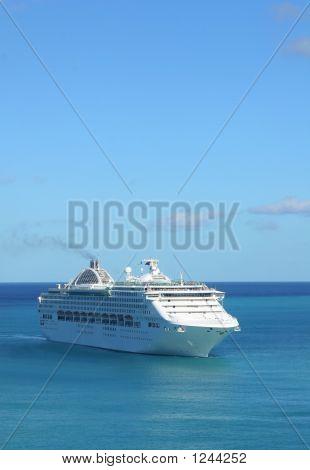 Criuse Ship 2