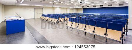 Modern Design Of Spacious Classrom