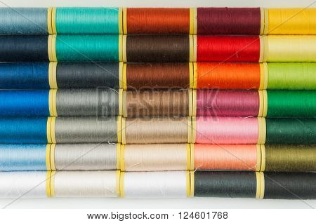 Set sewing thread of different colors for textiles