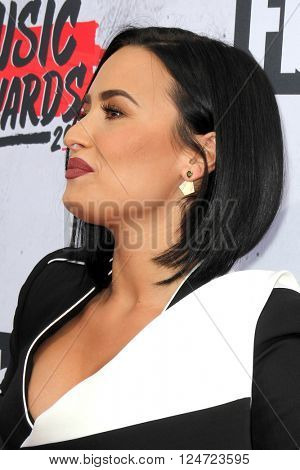 LOS ANGELES - APR 3:  Demi Lovato at the iHeart Radio Music Awards 2016 Arrivals at the The Forum on April 3, 2016 in Inglewood, CA