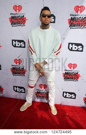 LOS ANGELES - APR 3:  Chris Brown at the iHeart Radio Music Awards 2016 Arrivals at the The Forum on April 3, 2016 in Inglewood, CA