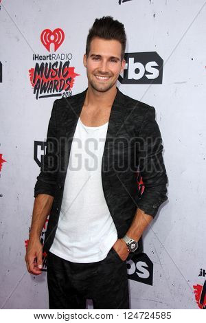 LOS ANGELES - APR 3:  James Maslow at the iHeart Radio Music Awards 2016 Arrivals at the The Forum on April 3, 2016 in Inglewood, CA