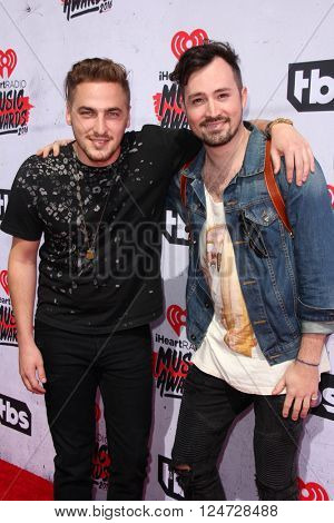 LOS ANGELES - APR 3:  Kendall Schmidt, Dustin Belt at the iHeart Radio Music Awards 2016 Arrivals at the The Forum on April 3, 2016 in Inglewood, CA