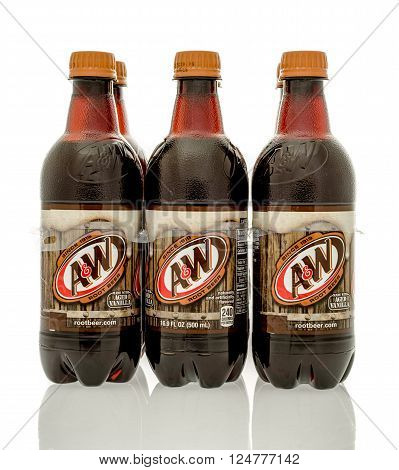 Winneconne WI - 16 March 2016: Six pack of A&W root beer on an isolated background.
