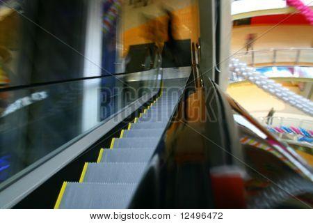 verschwommene Rolltreppe