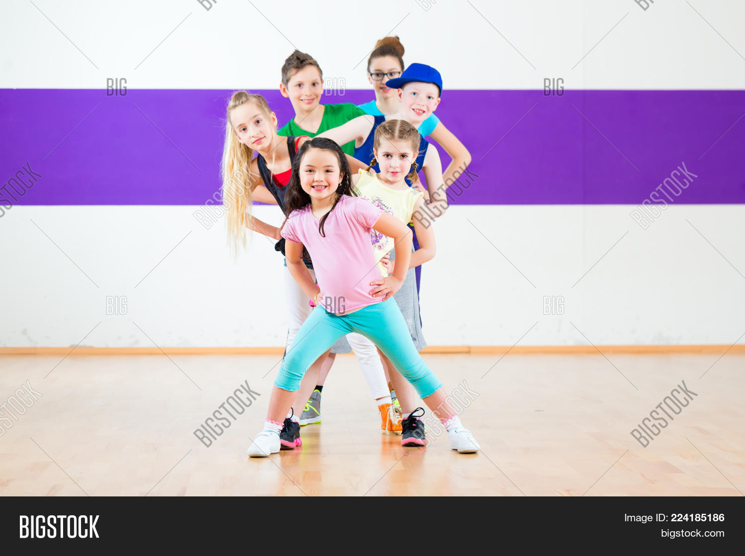 Children in zumba powerpoint template children in zumba powerpoint y toneelgroepblik Gallery