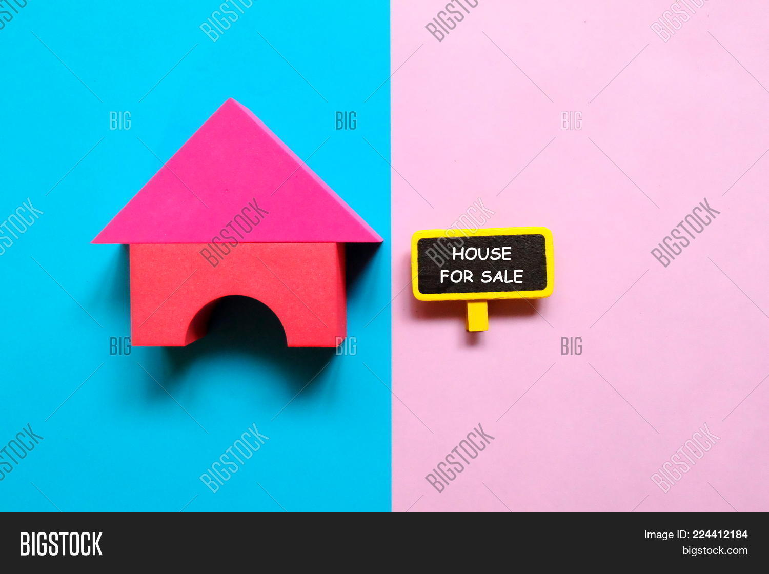 Real estate top view of house powerpoint template real estate top p toneelgroepblik Image collections
