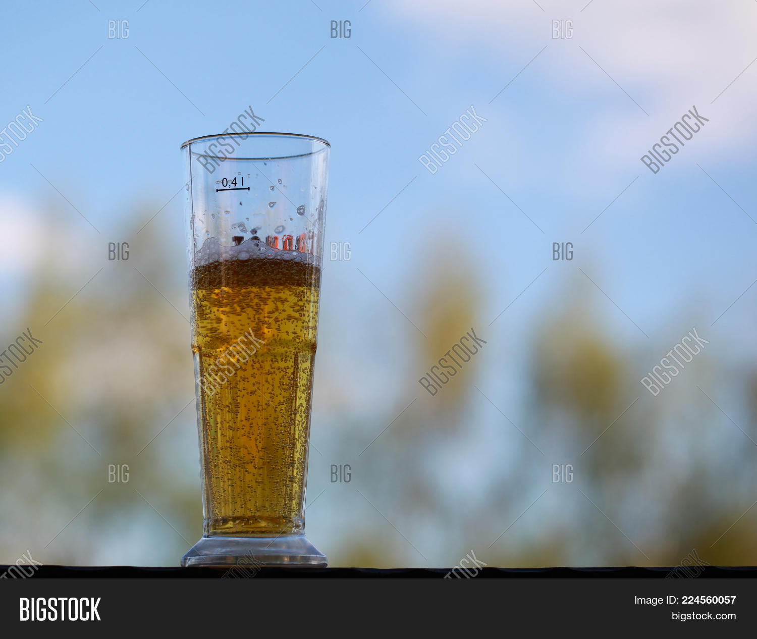 glass with beer powerpoint template powerpoint template glass with