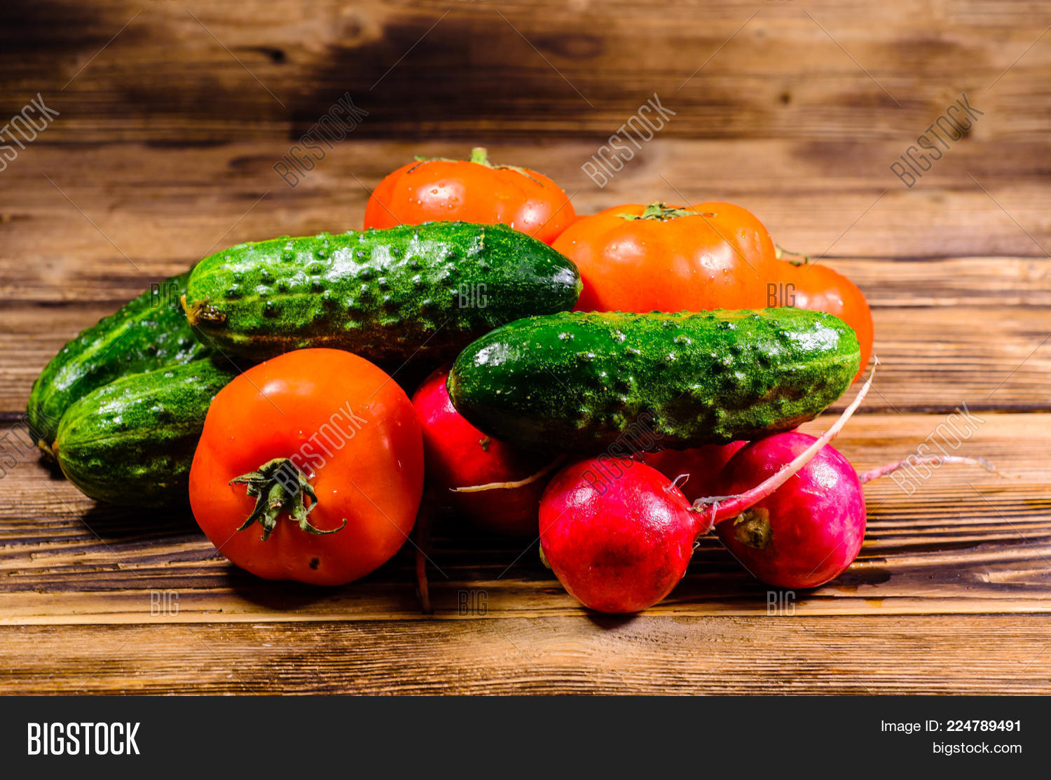 Nutrition tomatoes fresh ripe powerpoint template nutrition your text toneelgroepblik Image collections