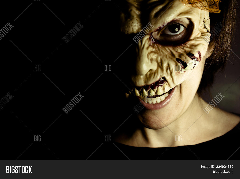 Nightmare Woman Portrait Zombie PowerPoint Template