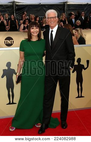 LOS ANGELES - JAN 21:  Mary Steenburgen, Ted Danson at the 24th Screen Actors Guild Awards - Press Room at Shrine Auditorium on January 21, 2018 in Los Angeles, CA