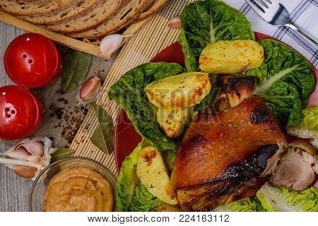 pork knuckle,baked shank,baked leg, shank in beer,shank in honey,shank cooked in Czech,shank in German,beer snack,pork,pork leg in germany,pork leg in Prague