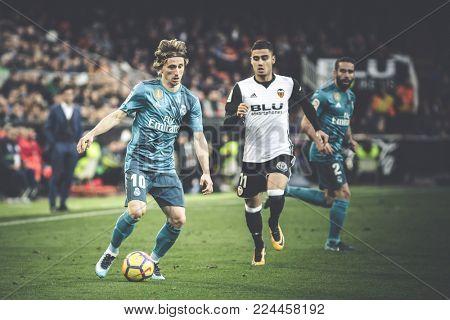 VALENCIA, SPAIN - JANUARY 27: Modric with ball during Spanish La Liga match between Valencia CF and Real Madrid at Mestalla Stadium on January 27, 2018 in Valencia, Spain