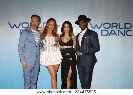 LOS ANGELES - JAN 30:  Derek Hough, Jennifer Lopez, Jenna Dewan Tatum, Ne-Yo at the