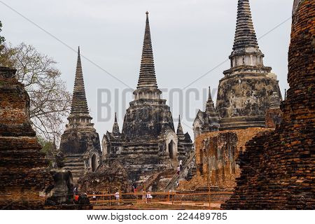 Wat Phra Si Sanphet Ayutthaya -: December 26, 2017:-  Ayutthaya Historical Park has been considered a World Heritage Site on December 13th, 2534 in the historic city of Ayutthaya.