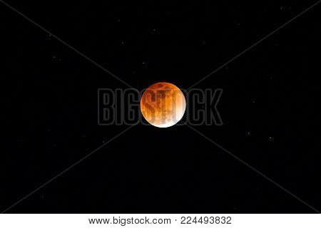 A total lunar eclipse of the red moon