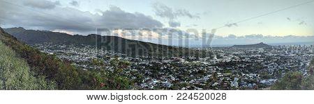 Diamondhead And The City Of Honolulu, Kaimuki, Kahala, And Oceanscape On Oahu On A Nice Dayviewed Fr