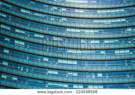 MILAN, ITALY - SEPTEMBER 5, 2017: Unicredit bank skyscraper, the tallest skyscraper in Milan. Gae Aulenti square. Milan Porta Garibaldi district. Modern skyscraper in Porto Nuovo business district in Italy.