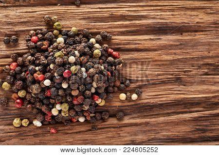 Mixed peppercorns. Dry mix peppercorns close up