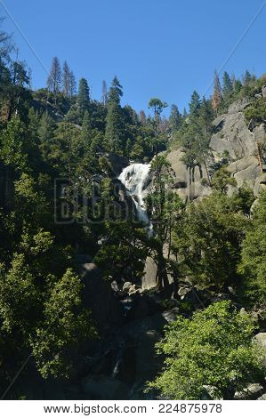 Wonderful Views Of Some Impressive Cascades From The Highest Part Of One Of The Mountains Of Yosemite National Park. Nature Travel Holidays. June 29, 2017. Yosemite National Park. Mariposa California. USA. EEUU
