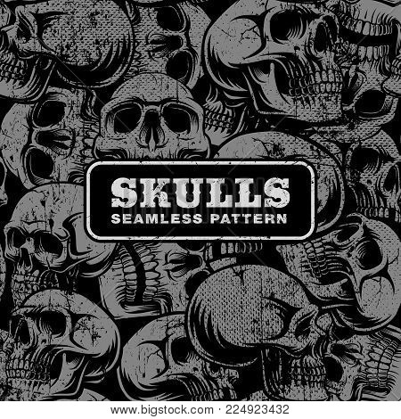 Seamless pattern with grunge skulls on dark background.
