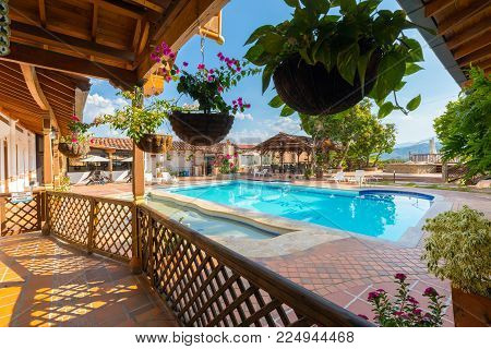 January 2018 This is the pool of the Hotel Caseron in Santa Fe frequented in this period by many tourists who after visiting the city can relax in the swimming pool