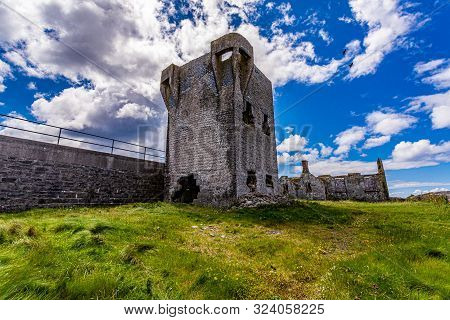 Beautiful View Of The Ruined 19th Century Tower (a Túr Faire) In Inis Oirr Island, Wonderful Sunny D