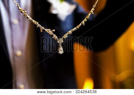 Precious Wedding Necklace With Diamonds