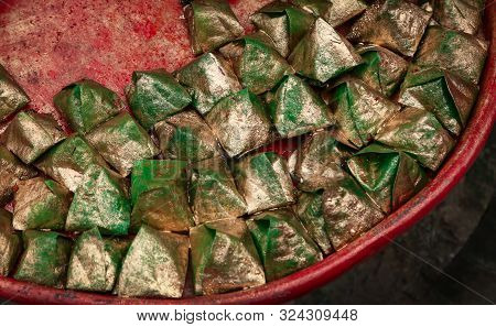 Decorated Edible Betel Leaves, A Popular Streed Food Of Bangladesh